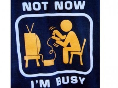 """Вашият мобилен оператор Ви поздравява по случай Новата година с """"Network Busy"""""""